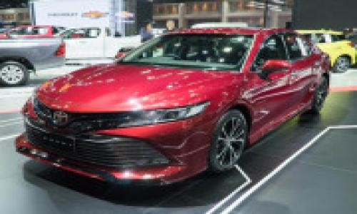 Ảnh thực tế Toyota Camry 2019 thế hệ mới sắp được bán tại Việt Nam