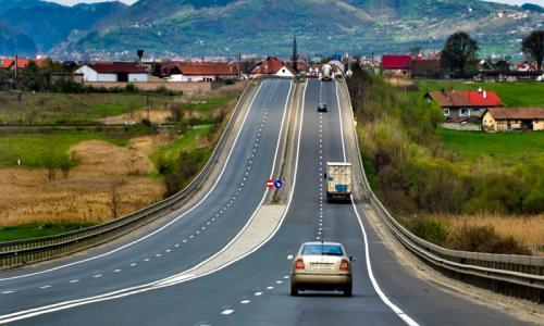 Kinh nghiệm vàng cho lái mới khi chạy xe trên cao tốc