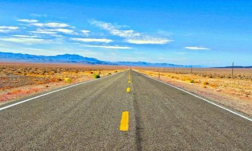 Lái xe đường dài và 10 lưu ý không phải tài xế nào cũng nhớ