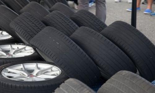 Lốp xe bị mòn là do đâu?