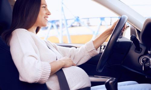Tìm hiểu bí kíp lái xe cho các mẹ bầu