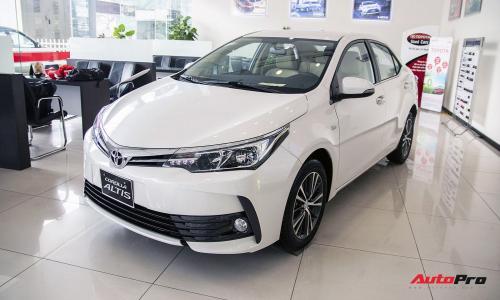Toyota Corolla Altis giảm giá cao nhất 80 triệu đồng tại đại lý